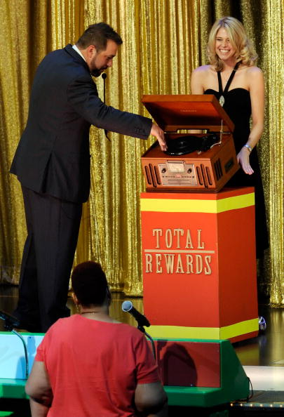 "Model - Object「Joey Fatone Hosts ""The Price Is Right - Live"" Show At Bally's Las Vegas」:写真・画像(16)[壁紙.com]"