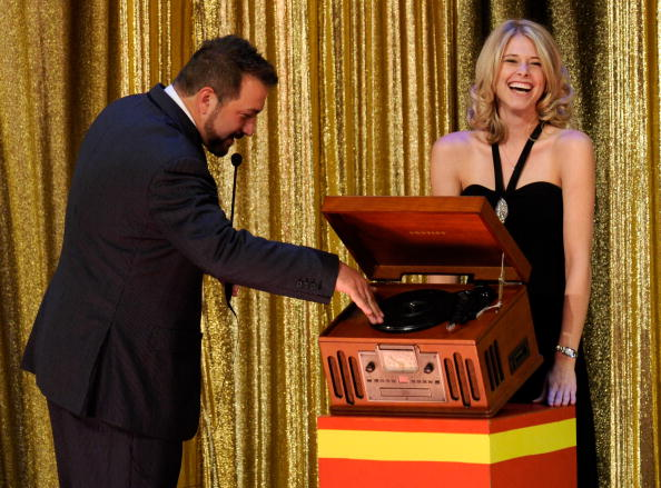 "Model - Object「Joey Fatone Hosts ""The Price Is Right - Live"" Show At Bally's Las Vegas」:写真・画像(19)[壁紙.com]"