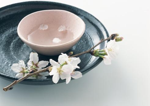 桜「Cold Sake and dishes」:スマホ壁紙(16)