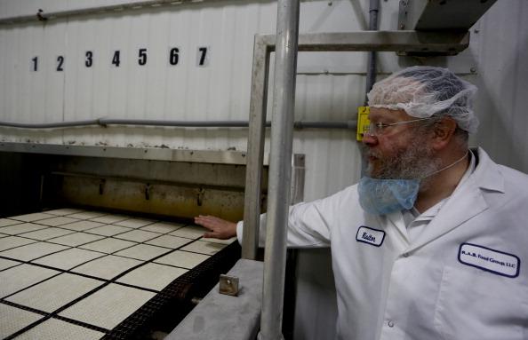Oven「Matzo Made At Manischewitz Manufacturing Plant」:写真・画像(13)[壁紙.com]