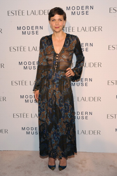 "Hand On Hip「Estee Lauder ""Modern Muse"" Fragrance Launch Party - Arrivals」:写真・画像(7)[壁紙.com]"