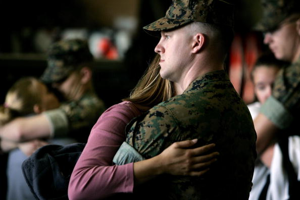 Sandy Huffaker「13th Marine Expeditionary Unit Departs For Western Pacific Deployment」:写真・画像(7)[壁紙.com]