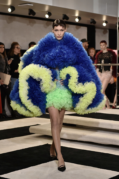 ニューヨークファッションウィーク「Tomo Koizumi - Runway - February 2019 - New York Fashion Week: The Shows」:写真・画像(10)[壁紙.com]