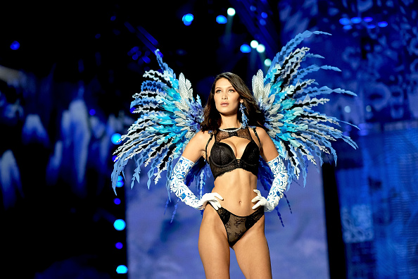 Bella Hadid「2017 Victoria's Secret Fashion Show In Shanghai - Show」:写真・画像(3)[壁紙.com]
