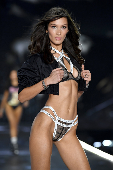 Victoria's Secret「2018 Victoria's Secret Fashion Show in New York - Runway」:写真・画像(18)[壁紙.com]
