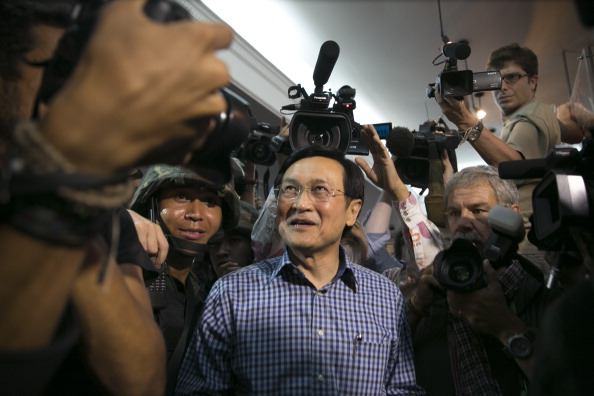 Hiding「Deposed Senior Minister Chaturon Chaisaeng Gets Arrested in Bangkok」:写真・画像(13)[壁紙.com]