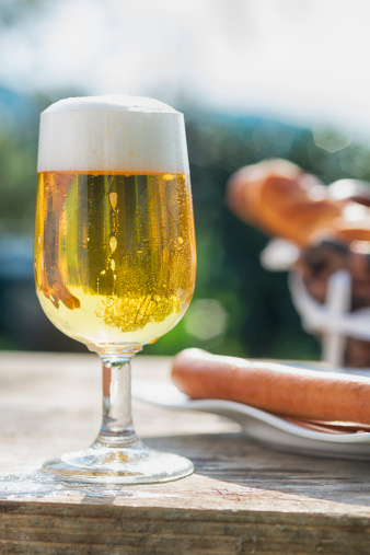 Hot Dog「Fresh beer and Frankfurter sausages, German Style」:スマホ壁紙(16)