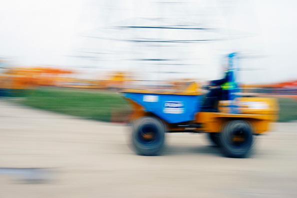 Copy Space「Mini dumper truck in motion.」:写真・画像(6)[壁紙.com]