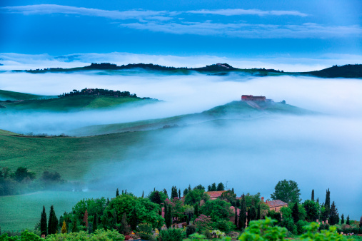 Italian Cypress「Farm in Tuscany at dawn」:スマホ壁紙(12)