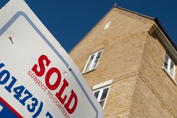 Selling「Sold sign」:写真・画像(4)[壁紙.com]