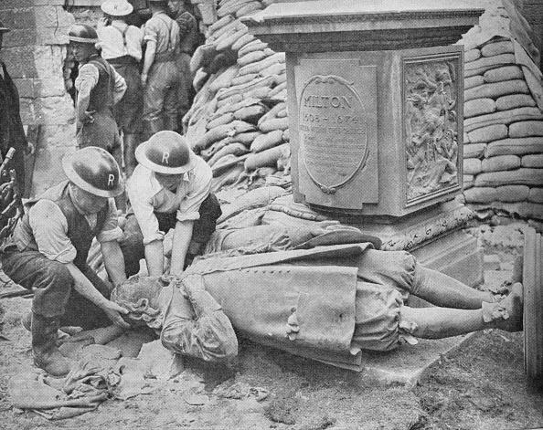 Male Likeness「All Night Raid on Britain's Capital - Statue of John Milton', 1940, (1940)」:写真・画像(16)[壁紙.com]