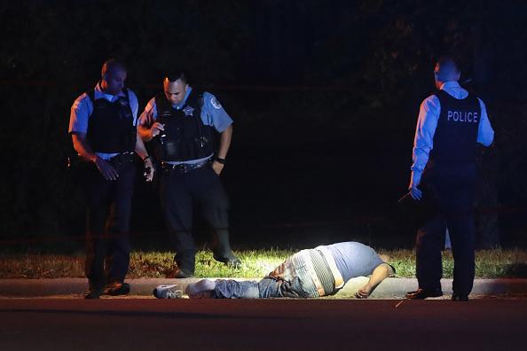 Shooting - Crime「Chicago Police Announce Federal Effort At Curbing Violence Via Illegal Gun Crack Down」:写真・画像(4)[壁紙.com]