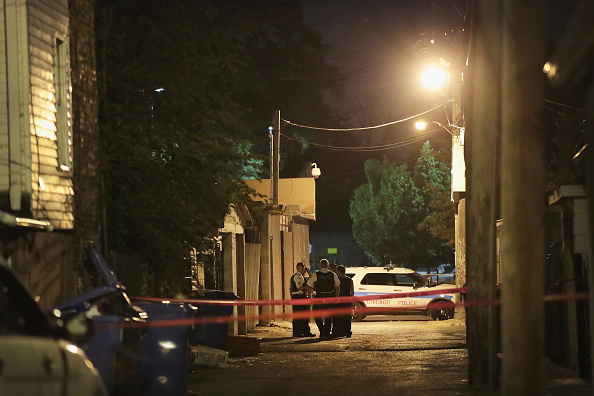 Crime「Chicago Police Announce Federal Effort At Curbing Violence Via Illegal Gun Crack Down」:写真・画像(19)[壁紙.com]