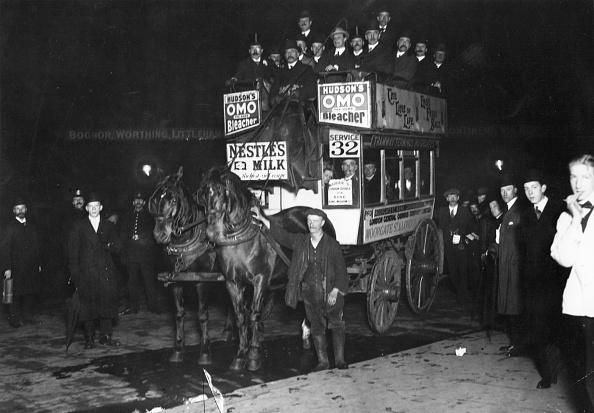 Bus「The Last Horse Bus」:写真・画像(1)[壁紙.com]