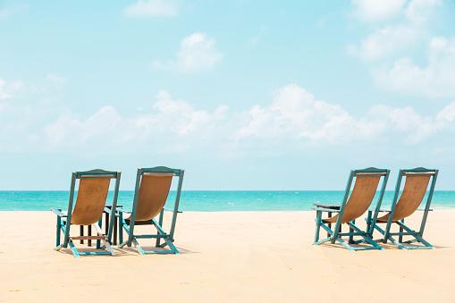 Sri Lanka「Chairs on the beach」:スマホ壁紙(10)