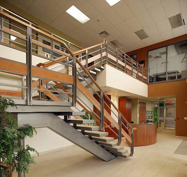 office hall staircase:スマホ壁紙(壁紙.com)