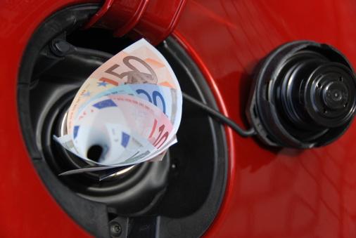 Stuffed「Gas tank eats money」:スマホ壁紙(19)