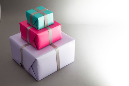 Gift「Stack of three wrapped gifts」:スマホ壁紙(5)
