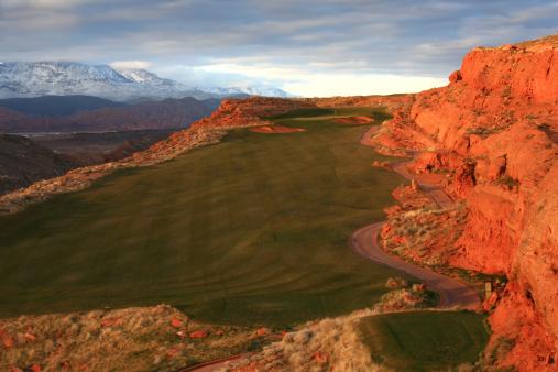 Sand Trap「Dramatic Golf Hole」:スマホ壁紙(9)