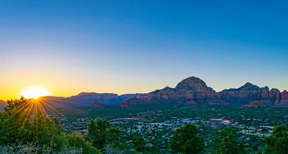 Juniper Tree「Sunset in Sedona, Arizona」:スマホ壁紙(18)