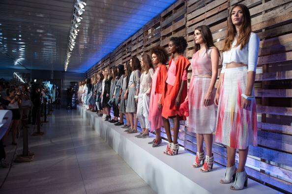 D Dipasupil「Elie Tahari - Presentation - Mercedes-Benz Fashion Week Spring 2015」:写真・画像(14)[壁紙.com]
