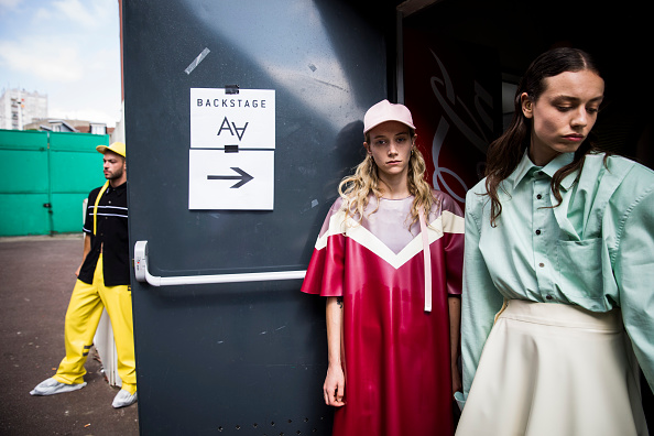Tristan Fewings「Arthur Avellano : Backstage - Paris Fashion Week - Menswear Spring/Summer 2019」:写真・画像(16)[壁紙.com]