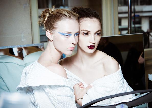 秋冬コレクション「Atelier Versace : Backstage - Paris Fashion Week - Haute Couture Fall/Winter 2016-2017」:写真・画像(18)[壁紙.com]