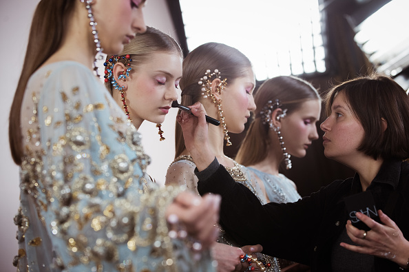 Francois Durand「Georges Hobeika  : Backstage - Paris Fashion Week - Haute Couture Spring Summer 2017」:写真・画像(2)[壁紙.com]