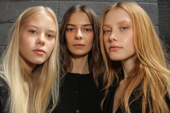 ファッションモデル「Yigal Azrouel - Backstage - Mercedes-Benz Fashion Week Spring 2015」:写真・画像(3)[壁紙.com]