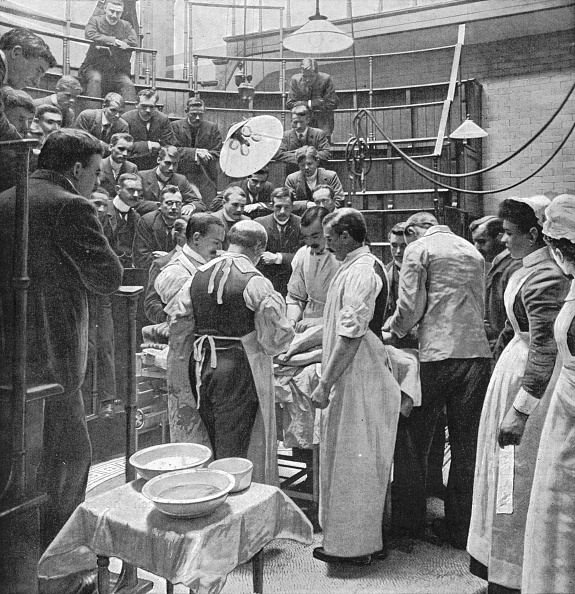 19th Century Style「An operation at Charing Cross Hospital, London, 1901 (1903)」:写真・画像(9)[壁紙.com]