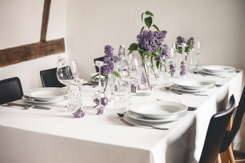 Tea Light「Festive laid table with lilac, Syringa」:スマホ壁紙(10)