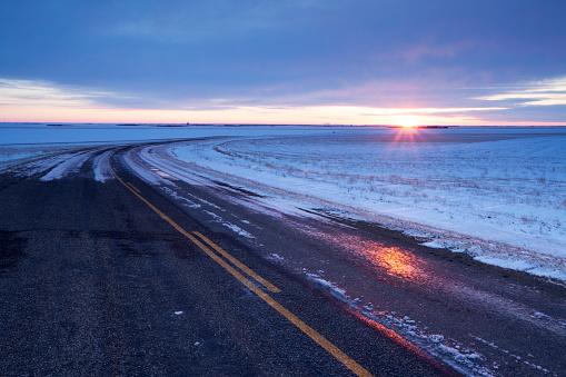 Moose Jaw「Winter Time Highway  Just Out Side Of Moose Jaw Saskatchewan Canada」:スマホ壁紙(1)