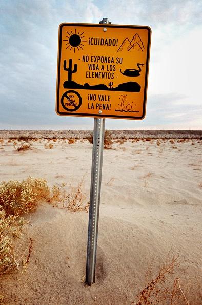 Baja California Peninsula「Water Stations Help Immigrants Survive Desert Crossing」:写真・画像(17)[壁紙.com]