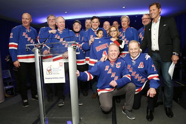 ウィンタースポーツ「Ronald McDonald House New York's 25th Annual Skate With The Greats」:写真・画像(11)[壁紙.com]