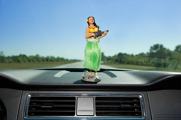 Dashboard hula dancer:スマホ壁紙(壁紙.com)