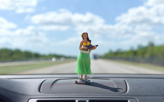 Figurine「Dashboard hula dancer」:スマホ壁紙(0)