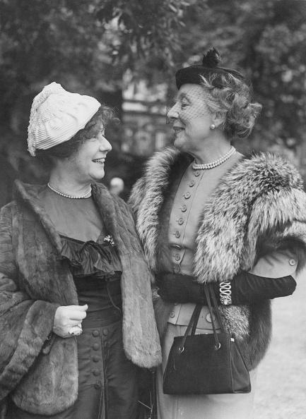 Fred Ramage「Freya Stark And Edith Evans」:写真・画像(17)[壁紙.com]