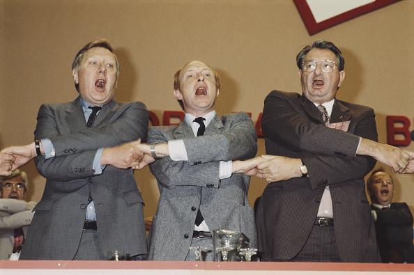 Holding Hands「Labour Conference 1983」:写真・画像(12)[壁紙.com]