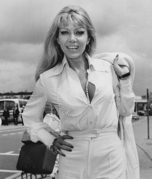 Heathrow Airport「Ingrid Pitt」:写真・画像(14)[壁紙.com]