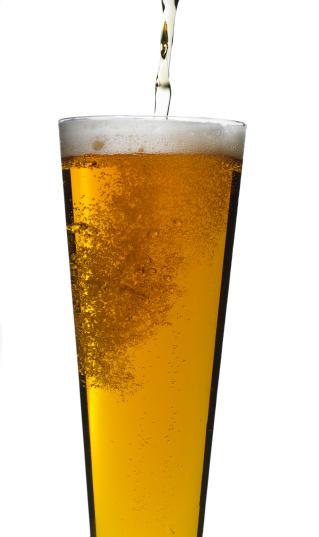 Pouring「Beer being poured, studio shot」:スマホ壁紙(2)
