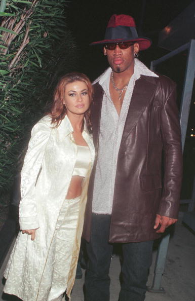 David Keeler「New Laker Dennis Rodman celebrates his first winning game out on the town at GOODBAR with wife Carmen Electra...」:写真・画像(11)[壁紙.com]