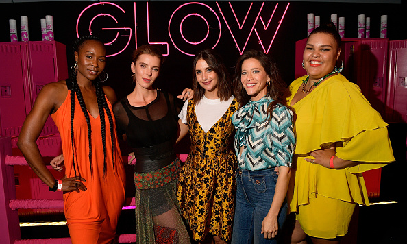 "Netflix「Netflix's ""Glow"" Celebrates Its 10 Emmy Nominations With Roller-Skating Event」:写真・画像(8)[壁紙.com]"