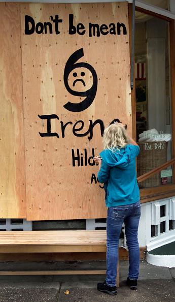 Plywood「Long Island Residents Prepare For Direct Hit From Hurricane Irene」:写真・画像(5)[壁紙.com]