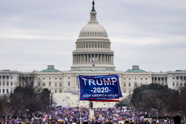"Capitol Hill「Trump Supporters Hold ""Stop The Steal"" Rally In DC Amid Ratification Of Presidential Election」:写真・画像(19)[壁紙.com]"