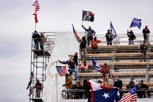 """Trump Supporters Hold """"Stop The Steal"""" Rally In DC Amid Ratification Of Presidential Election:ニュース(壁紙.com)"""