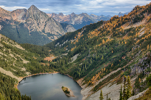 ウェナチー国有林「Landscape with Lake Ann, Wenatchee National Forest, Washington State, USA」:スマホ壁紙(2)