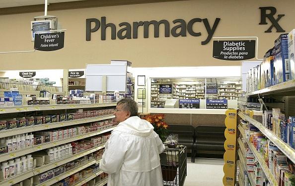 Pharmacy「Wal-Mart Announces Large Cut In Generic Prescription Drug Prices」:写真・画像(17)[壁紙.com]