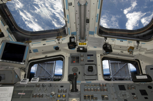 Solar Energy「A view from inside the flight deck of Space Shuttle Atlantis.」:スマホ壁紙(1)
