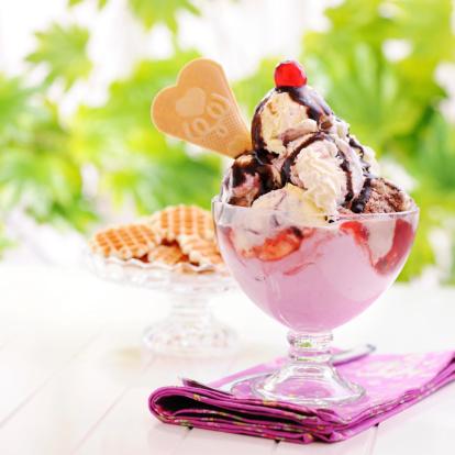 Strawberry Ice Cream「Ice cream」:スマホ壁紙(12)