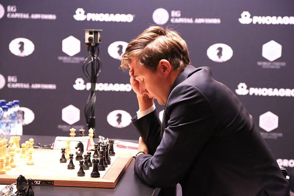 セルゲイ・カヤキン「2016 World Chess Championship - November 11」:写真・画像(6)[壁紙.com]